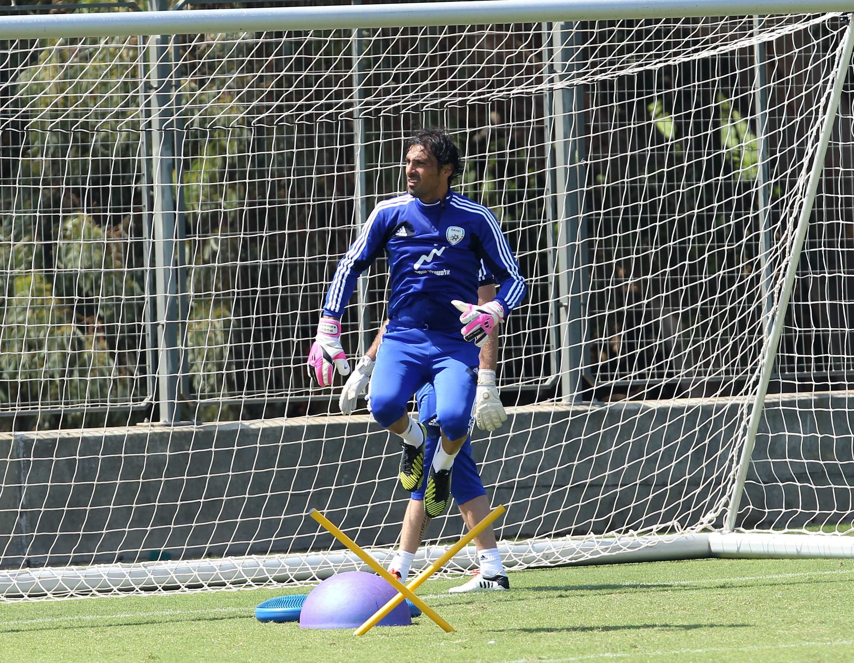 Israel 'keeper Dudu Aoute-Israel Football Association website