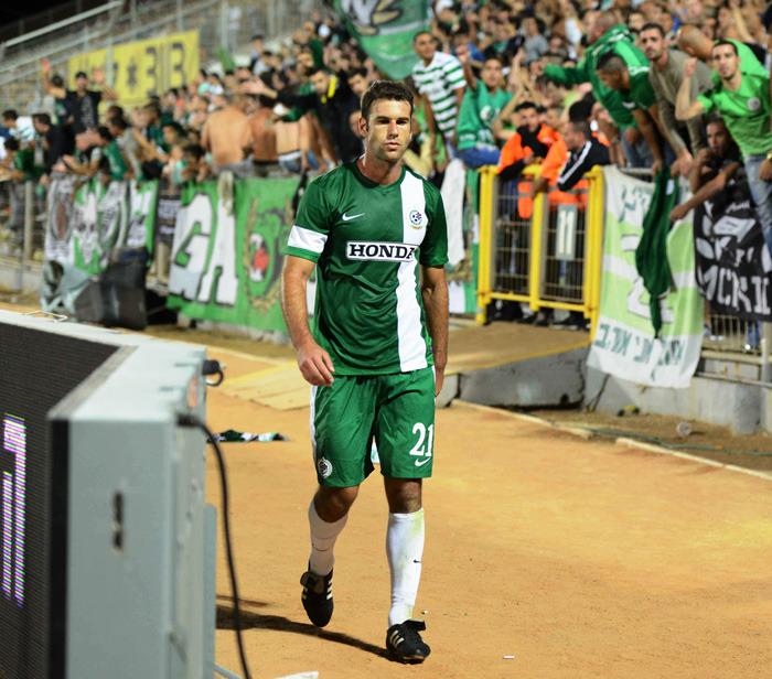 Dekel Keinan leaving teh match aftre his hand ball & red card-Maccabi Haifa Website