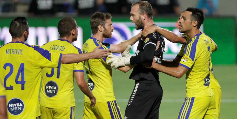 Dani Amos picks up a red card!-Courtesy Maccabi Tel Aviv Website