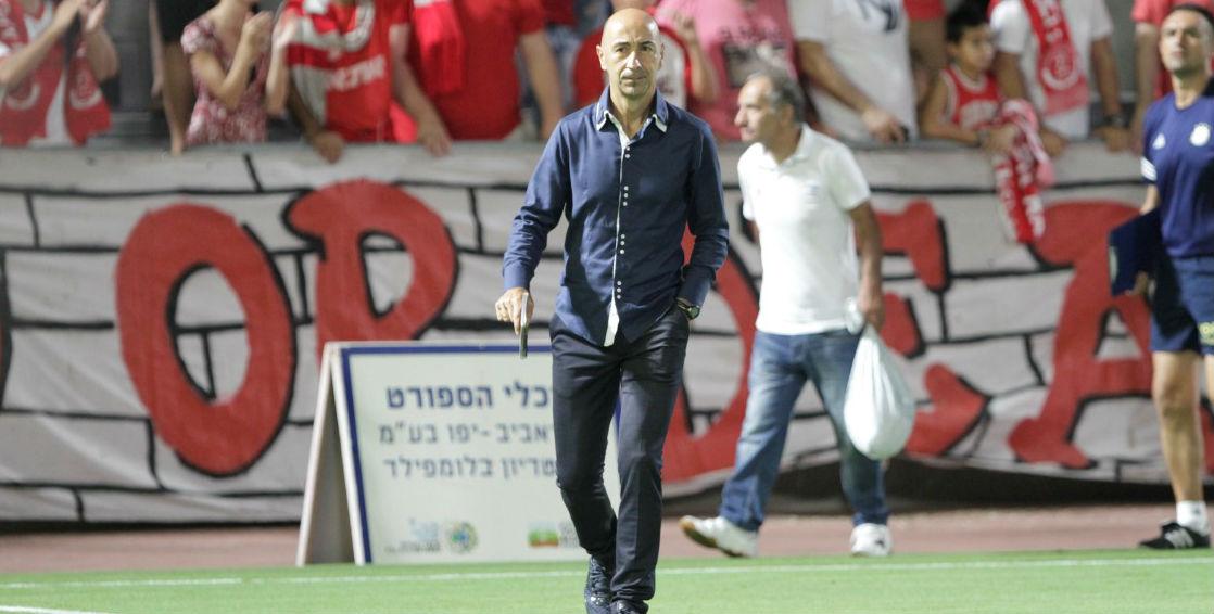 Pako Ayestaran manning the Maccabi sidelines-Courtesy Maccabi Tel Aviv Website