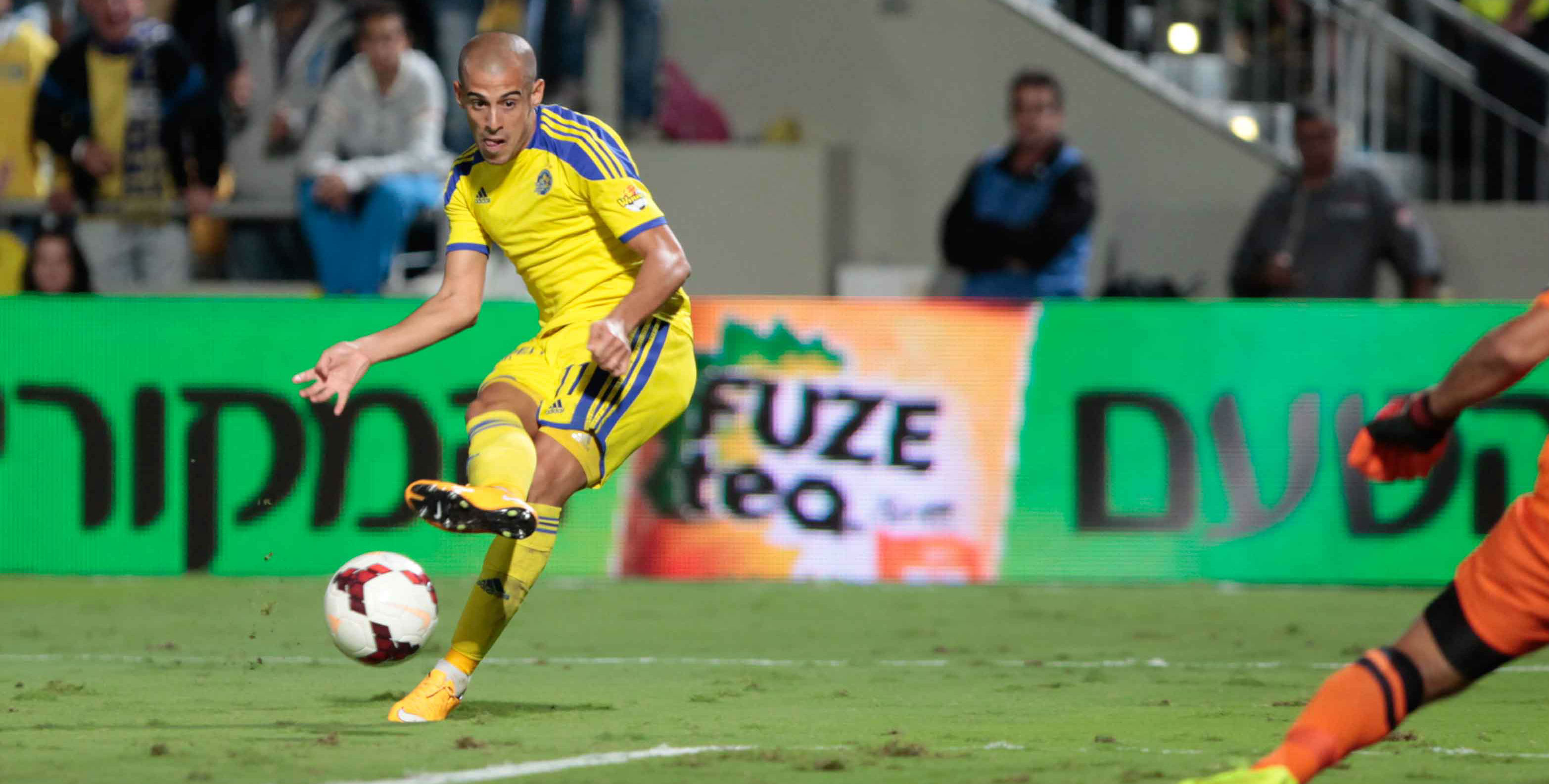 Tal Ben Chaim in Action-Courtesy Maccabi Tel Aviv website
