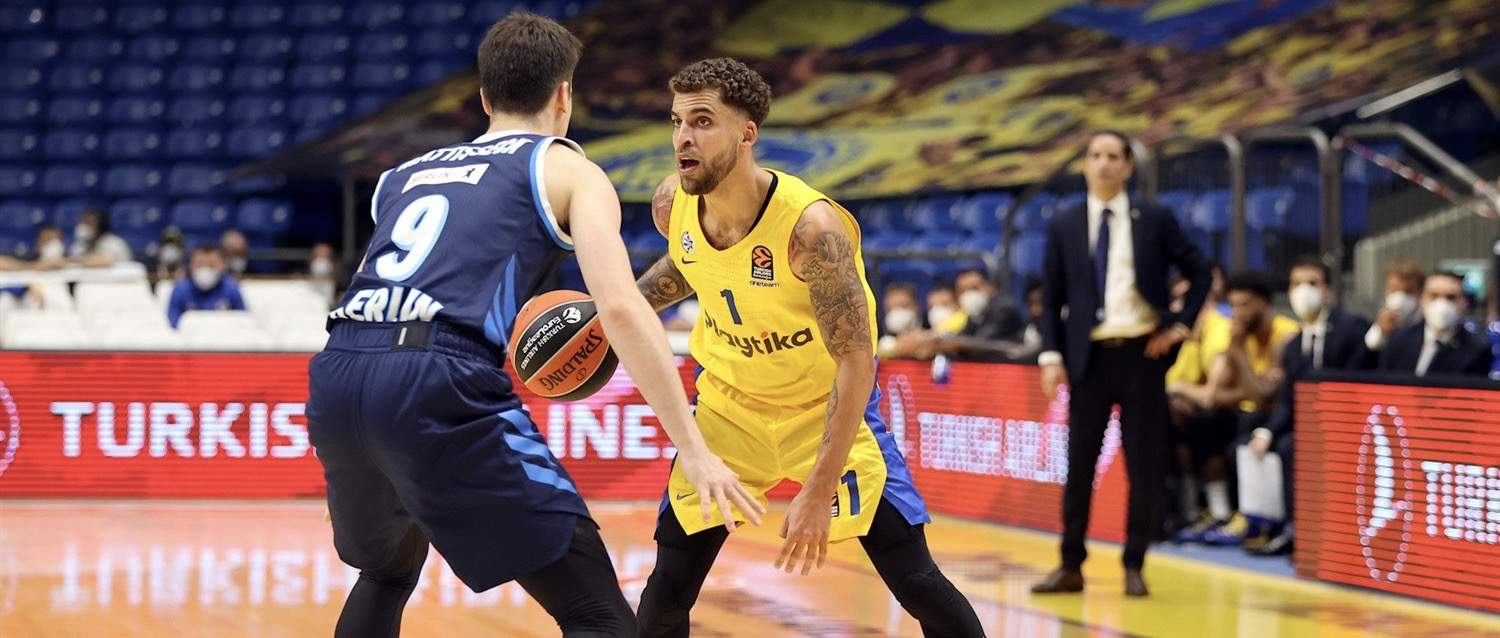 Defying silence to roaring win. Wilbekin captain's Maccabi as Jones & Caloiaro star. Eeriness of an empty arena, Blayzer debut, Zizic returns & more! 3-Pointers on the Yellow & Blue's victory over Alba
