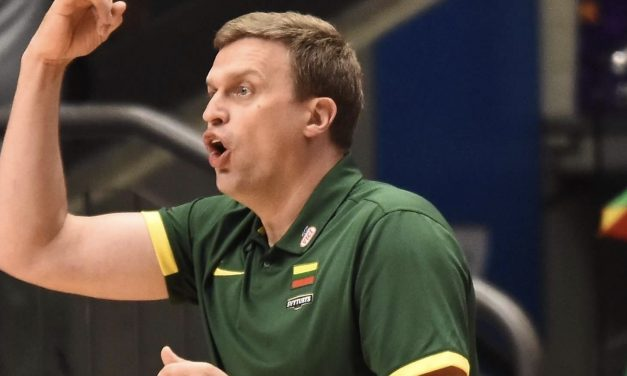 אנשי כדורסל שמכירים מקרוב את המאמן החדש של הפועל ירושלים מנתחים: מי אתה דאיניוס אדומייטיס?